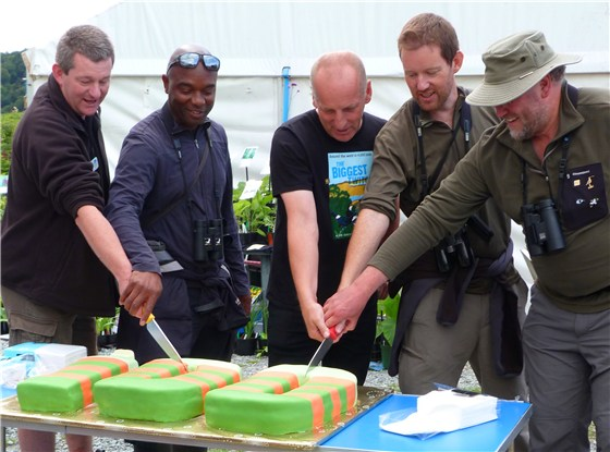 How many men does it take to cut a cake